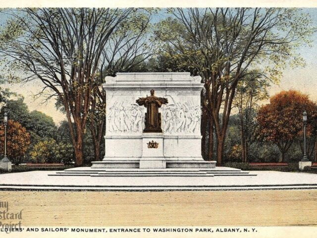 Soldiers' and Sailors' Monument, Entrance to Washington Park