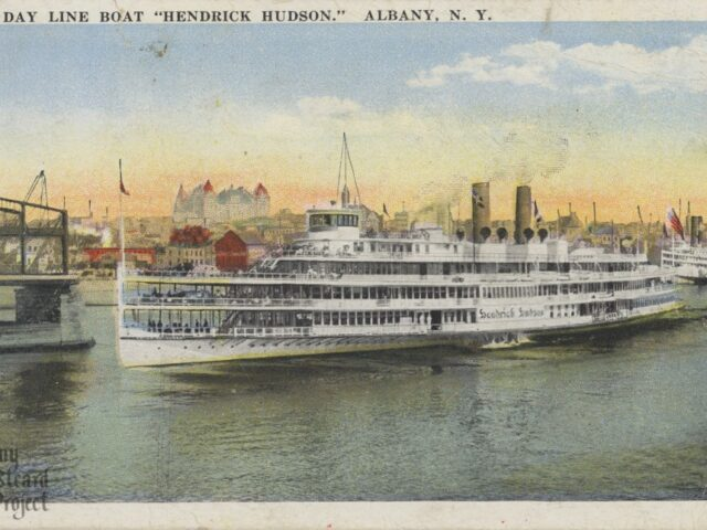"Day Line Boat ""Hendrick Hudson"""