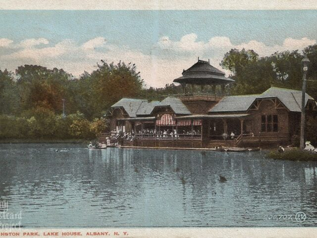 Washington Park, Lake House